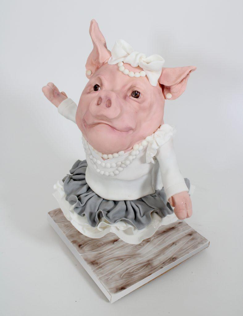 dancing pig cake, dancing pig, piggy cake, gravity cake, illusion cake, the cake illusionist, illusion cakes, animal cake, piggy party,